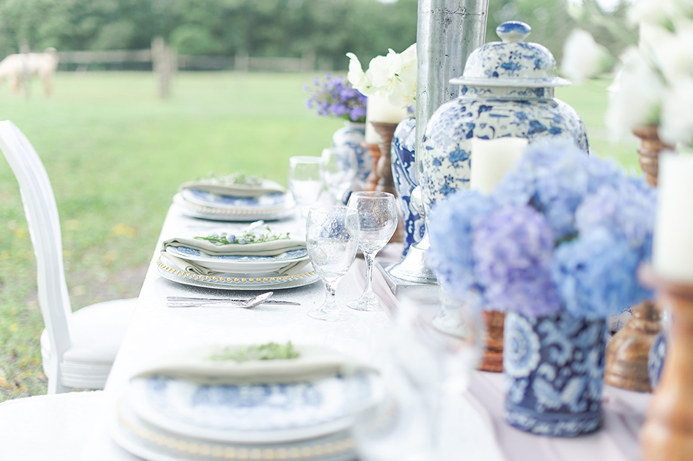 chinoiserie style wedding table